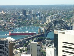 Výhled ze Sydney Tower na Harbour Bridge © Stanislav Jaroš 2005