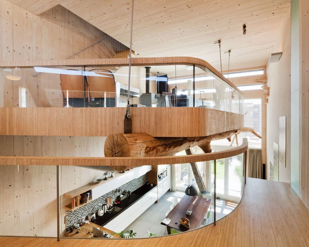High tech d evostavba s opalovanou d ev nou fas dou tzb info for Sustainable interior materials