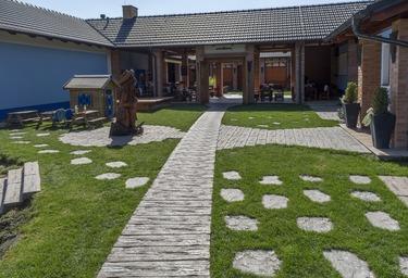 Betonové pražce imitace dřeva